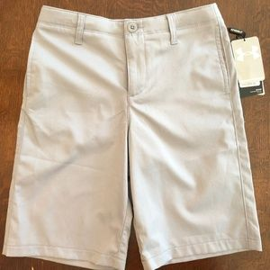 NWT Under Armour golf shorts boys' size 12